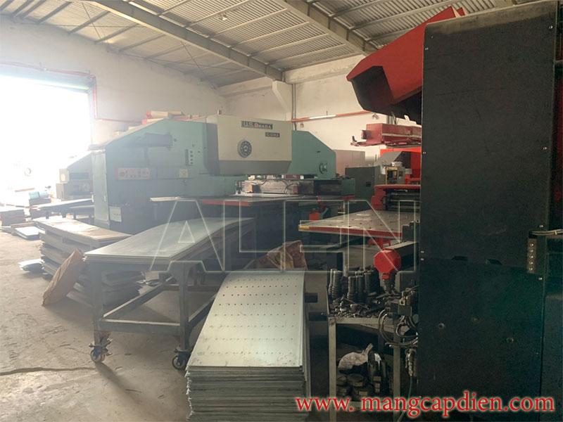 sản xuất máng cáp tại hcm