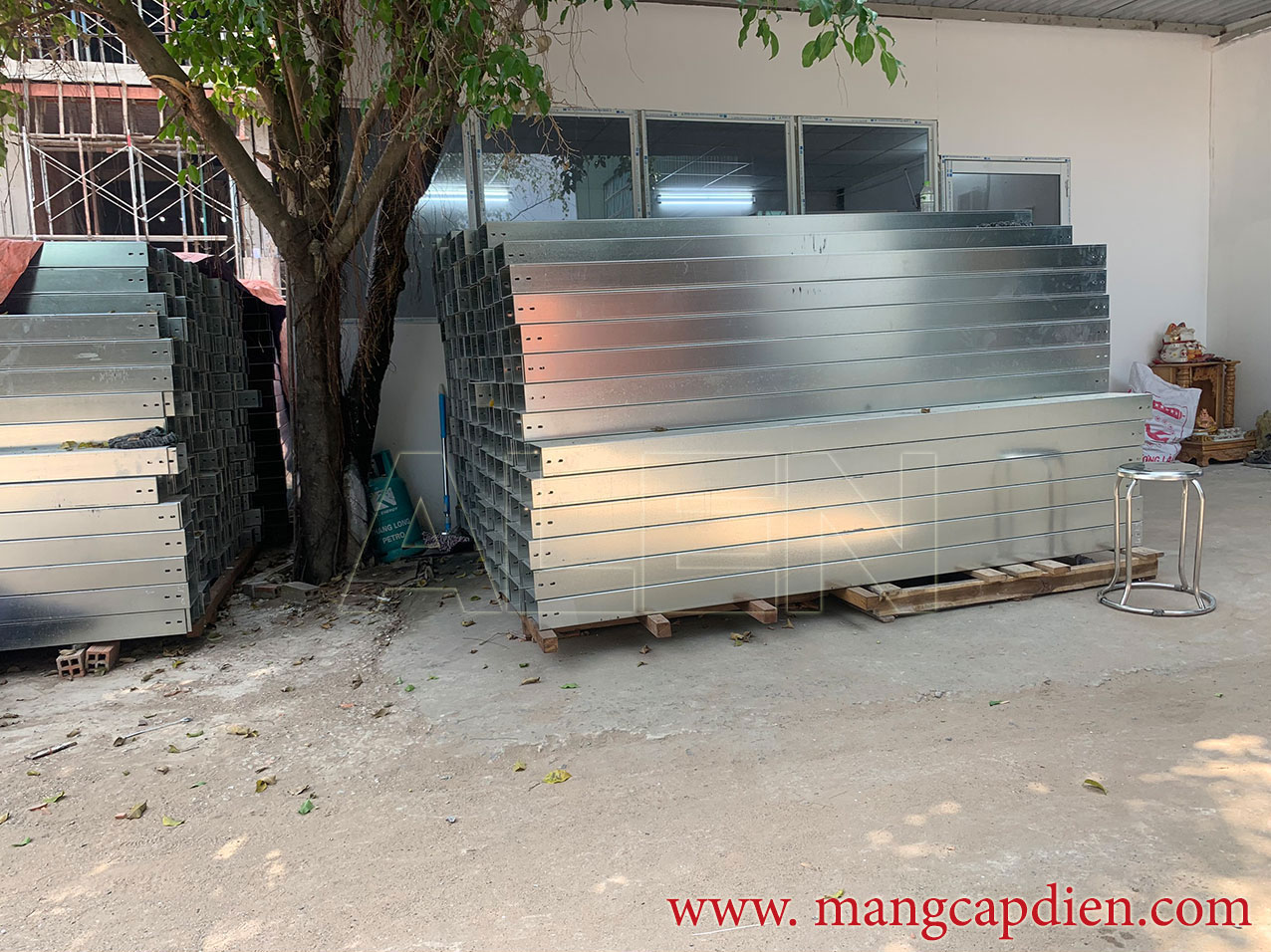  sản xuất thang máng cáp tại hcm