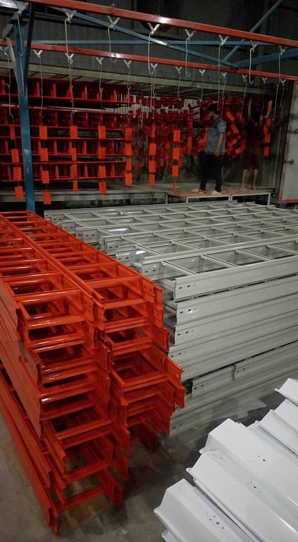 Thang máng cáp luôn có sẵn hàng số lượng lớn tại Công ty Alen